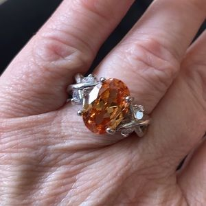 (8) Beautiful Faceted Peach Silver Ring w/Crystals